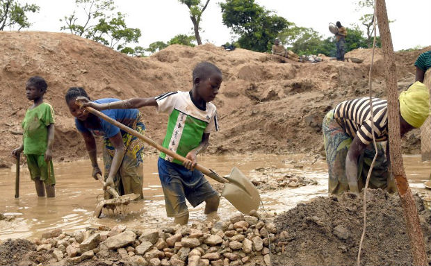 Child labor in the mines of the Democratic Republic of Congo - Humanium