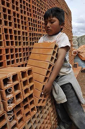 journ e mondiale contre le travail des enfants humanium nous concr tisons les droits de l 39 enfant. Black Bedroom Furniture Sets. Home Design Ideas